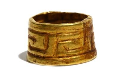 Lot 60 - A GREEK GOLD RING Circa 5th Century B.C....