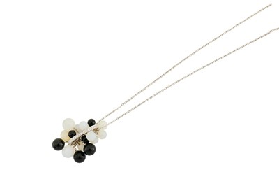 Lot 40 - A diamond, onyx and agate pendant necklace