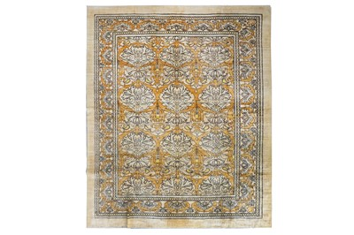 Lot 47-ARTS & CRAFTS DESIGN CARPET approx: 10ft.10in. x...