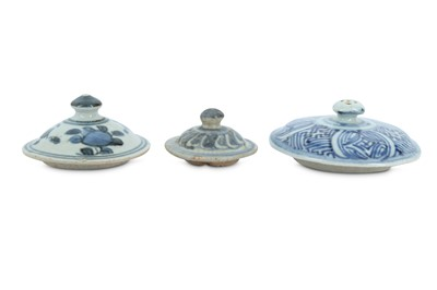 Lot 69-THREE CHINESE BLUE AND WHITE PORCELAIN  COVERS.