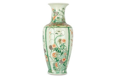 Lot 26-A LARGE CHINESE FAMILLE VERTE 'FLOWERS' BALUSTER VASE.