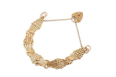 Lot 19-A gold gatelink bracelet