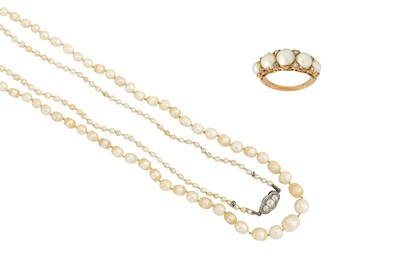 Lot 6-A pearl necklace and a pearl and diamond ring 1st:...