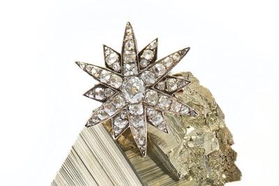 Lot 3-A diamond star brooch, circa 1880 The twelve-ray...