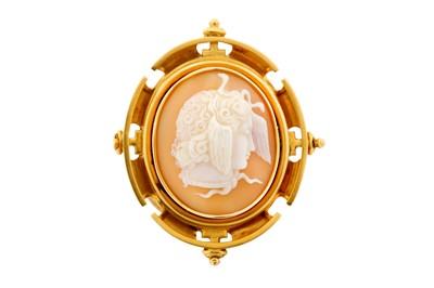 Lot 17-A shell cameo brooch, mid to late 19th century,...