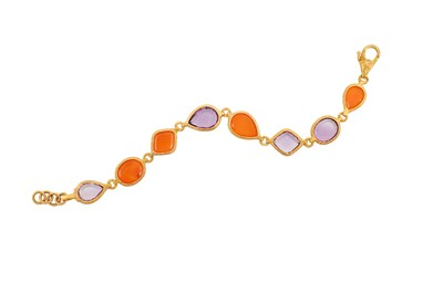 Lot 14-A carnelian and amethyst bracelet Composed of...