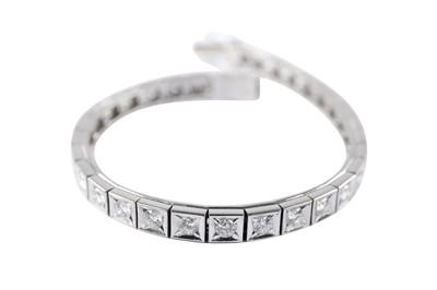 Lot 12 - A diamond line bracelet