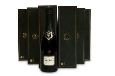 Lot 26-Bollinger La Grande Annee Brut, Champagne 1990