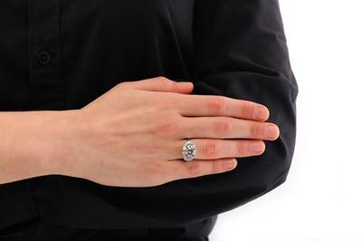 Lot 2-A diamond dress ring