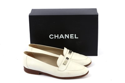 Lot 86-Chanel White Caviar Loafers - Size 39