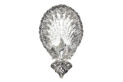 Lot 383 - An early 20th century American sterling silver dessert dish, New York by Tiffany & Co, with import marks for London 1900 by Albert William Feavearyear