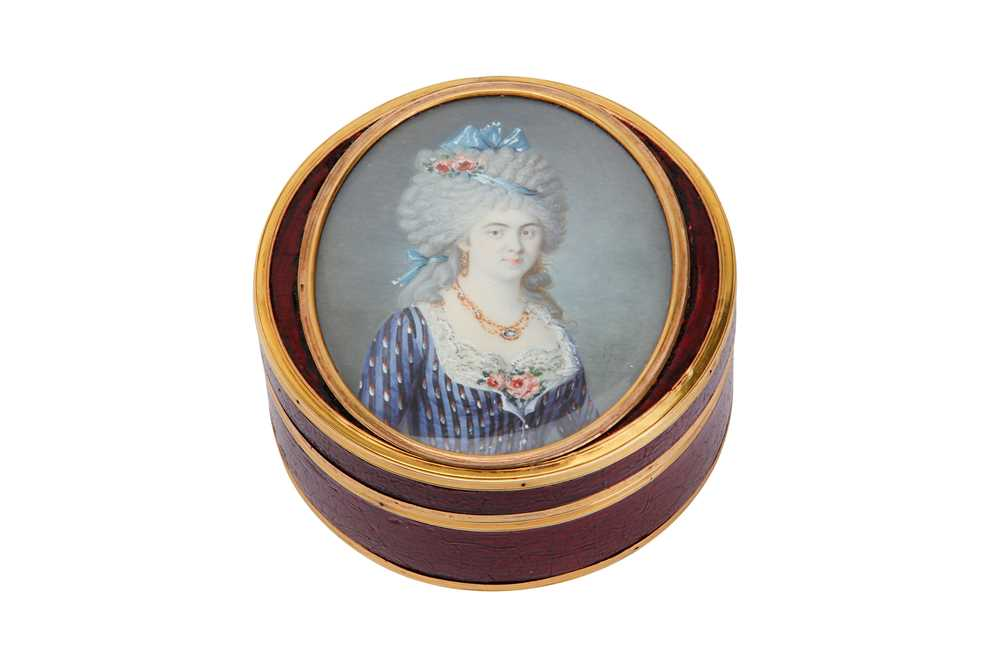 Lot 30-An unusual late 18th century French or Swiss gold mounted lacquer snuff box, circa 1793