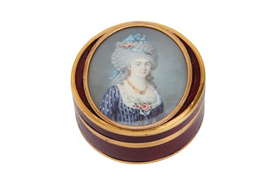 Lot 374 - An unusual late 18th century French or Swiss gold mounted lacquer snuff box, circa 1793