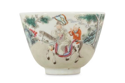 Lot 22 - A CHINESE FAMILLE ROSE 'EQUESTRIAN OFFICIAL' BOWL.