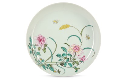 Lot 2 - A CHINESE FAMILLE ROSE PINK-BACKED DISH.