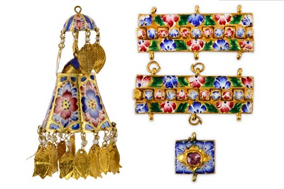 Lot 97 - * A GROUP OF FOUR MISCELLANEOUS QAJAR POLYCHROME-ENAMELLED GOLD JEWELLERY ELEMENTS