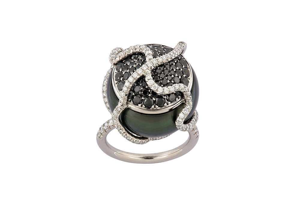 Lot 35-A cultured pearl dress ring