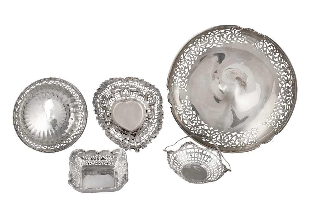 Lot 27-A George V sterling silver pedestal bowl
