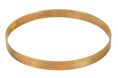 Lot 106-A 9 carat gold bangle
