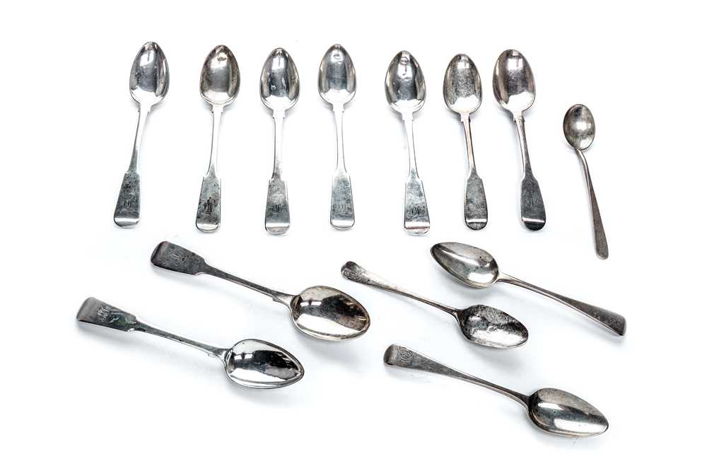 Lot 11-Six early Victorian sterling silver teaspoons
