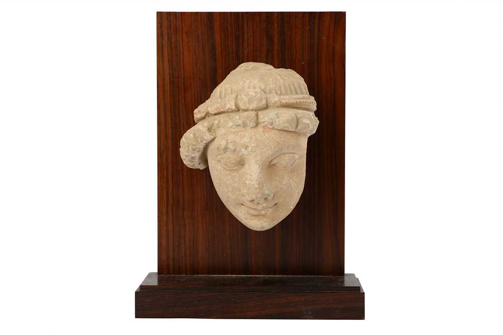 Lot 105-A STUCCO BODHISATTVA HEAD WITH RED PIGMENT RESIDUES