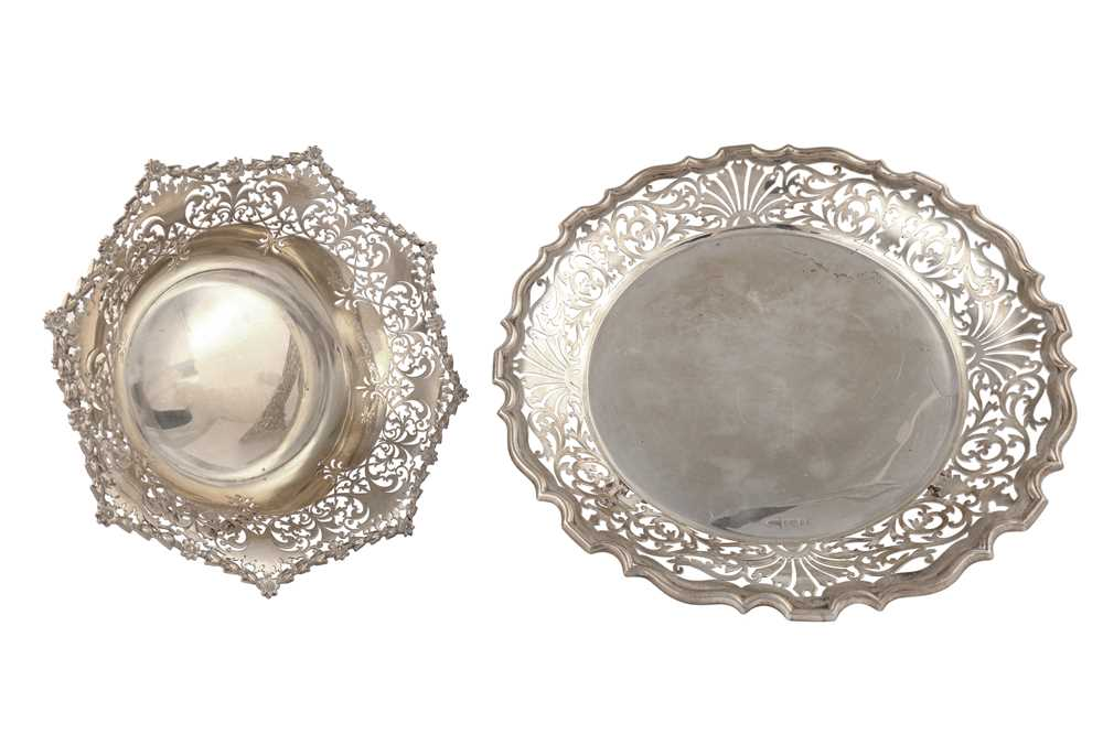 Lot 42-A George V sterling silver footed nut or sweetmeat bowl