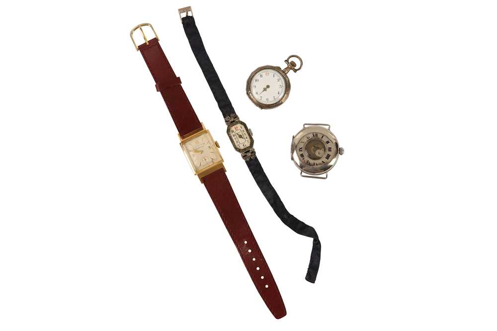 Lot 6-4 WATCHES.
