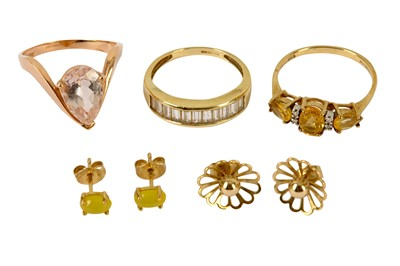 Lot 114-A collection of jewellery