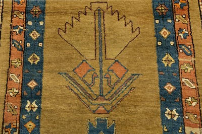 Lot 37-AN ATIQUE SERAB RUNNER, NORTH-WEST PERSIA