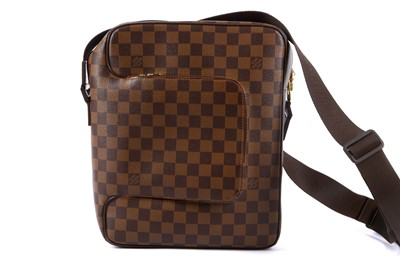 Lot 21-Louis Vuttion Damier Ebene Olav MM