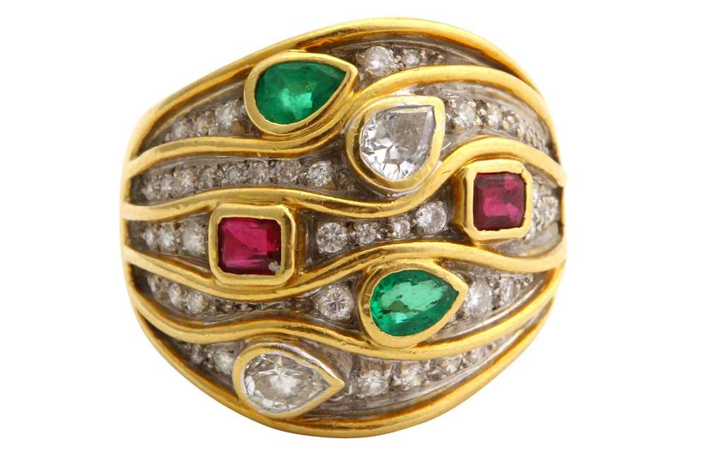 Lot 40-A gem-set ring