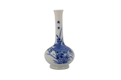 Lot 4-A CHINESE BLUE AND WHITE 'FLOWERS' BOTTLE VASE.