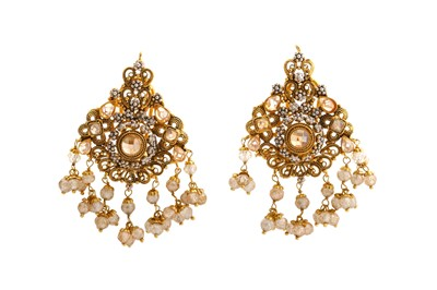 Lot 53-A necklace and earring suited earring suite