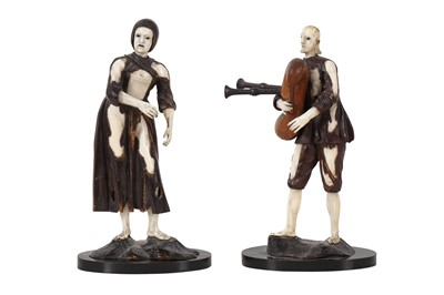 Lot 48 - MANNER OF SIMON TROGER: A PAIR OF 18TH CENTURY FRUITWOOD AND IVORY FIGURES