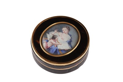 Lot 92-A late 18th century French unmarked gold mounted tortoiseshell snuff box, circa 1770