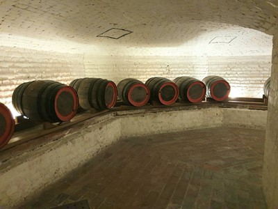 Lot 15-Wine tasting in Chiswick House cellars