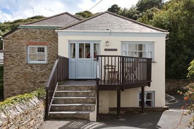 Lot 26 - Seven nights for seven guests in Portloe on the Roseland Peninsula, Cornwall
