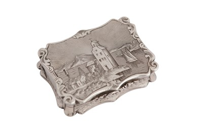Lot 11 - A Victorian sterling silver 'castle top' vinaigrette, Birmingham 1845 by Nathanial Mills