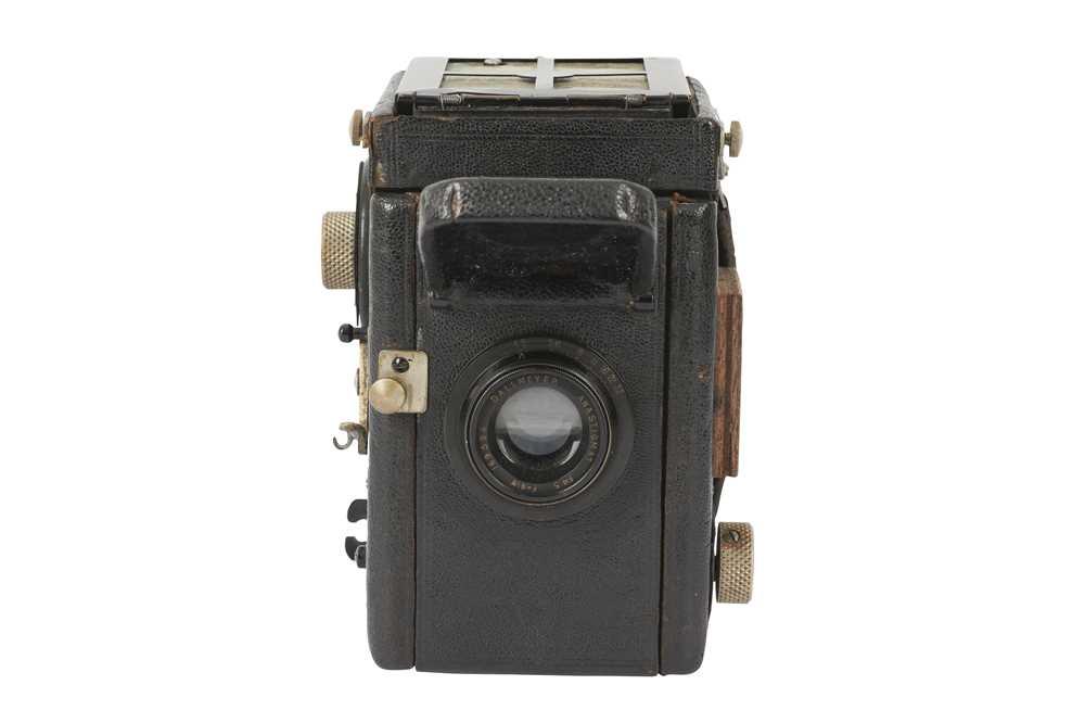 Lot 18 - A Thornton Pickard Rubyette No. 1 SLR Camera