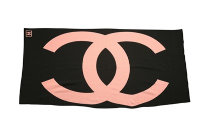 Lot 1227-Chanel Pink and Black CC Knit Wrap