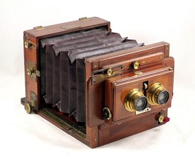 Lot 58-Sands Hunter Half Plate Stereo Tailboard Camera