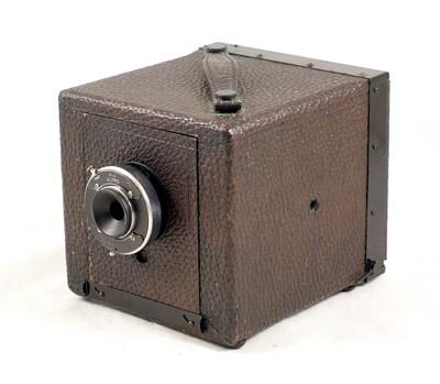 Lot 21-A Rare Ives Hicro Color Camera, circ 1914.