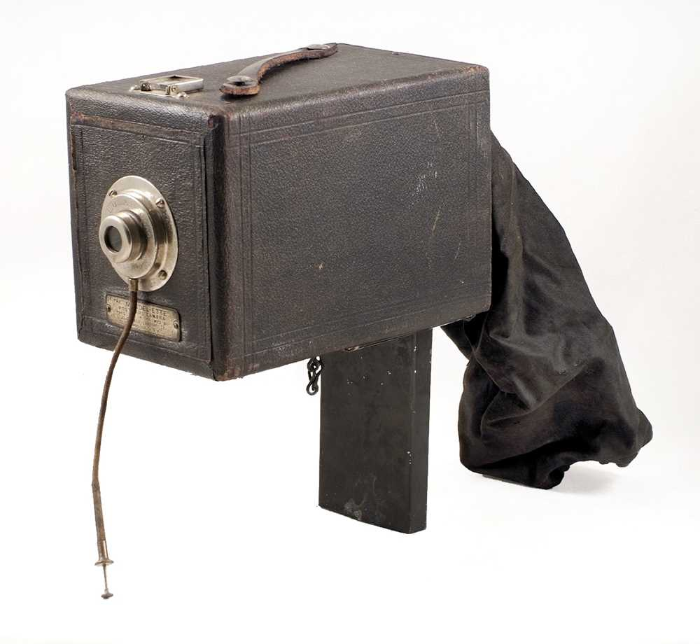 Lot 25-A Rare Chicago Ferrotype Co. Mandel-ette Post Card Camera