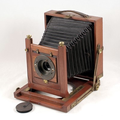 Lot 54-An Un-named Half Plate Field Camera with Unusual Wide Angle Lens