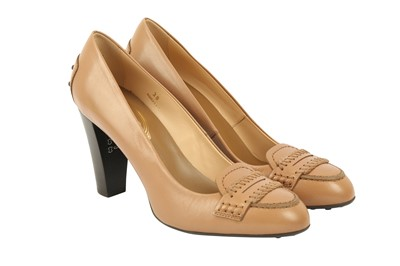 Lot 1258-Tod's Beige Heeled Loafer - Size 38