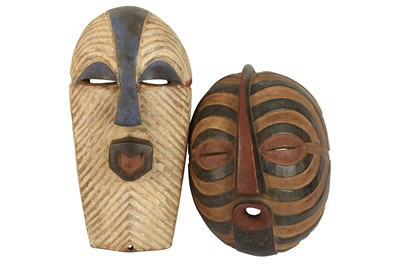 Lot 10-A late 20th century tribal mask