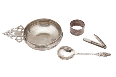 Lot 34-A mixed group of sterling silver including an Edwardian porringer, London 1909 by Goldsmiths and Silversmiths
