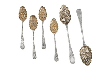 Lot 59-A mixed group – A pair of George III Scottish silver tablespoon, Edinburgh 1789 by Alexander Spence