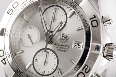 Lot 42 - TAG HEUER.