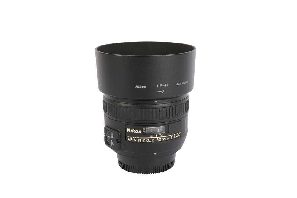 Lot 422 - A Nikon AF-S 50mm f1.4G Lens